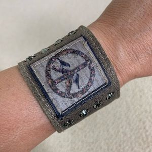 Jewelry - Leather cuff bracelet with peace sign